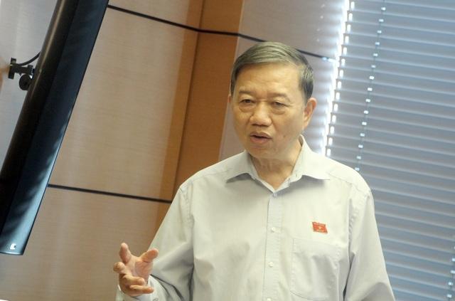 Bộ trưởng Bộ Công an Tô Lâm cho rằng, nếu không làm chủ được mạng xã hội, nội bộ nhiều nguy cơ mất an ninh