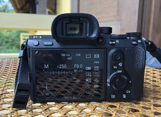 Máy ảnh Full-frame A7R III mới nhất của Sony sắp lên kệ thị trường Việt - 3