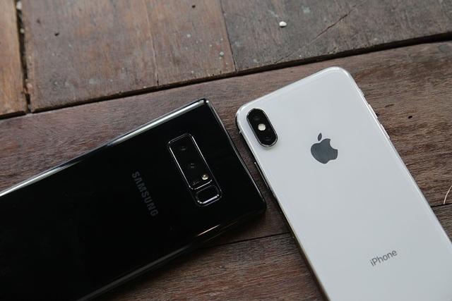 Galaxy Note 8 so kè iPhone X - kẻ tám lạng người nửa cân - 5
