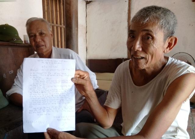 Người dân địa phương bức xúc trước việc làm của cán bộ Hợp tác xã dịch vụ nông nghiệp Hà Ninh