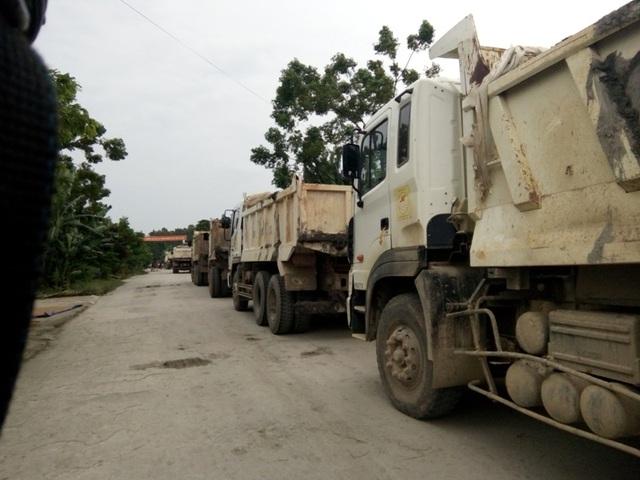 Rất nhiều xe tải không thể lưu thông