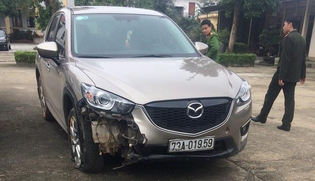 Chiếc xe ô tô do tài xế Bảy điều khiển gây tai nạn