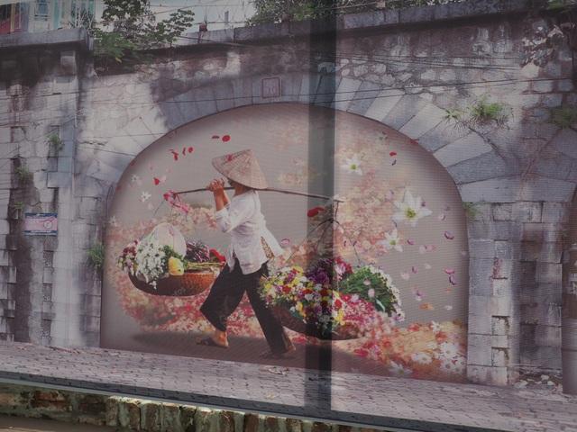 Diện mạo mới của những vòm cổng trên phố Phùng Hưng - 3