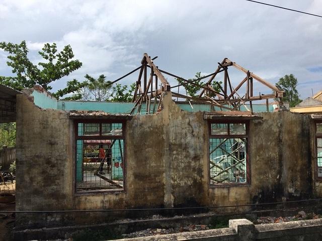 Hai phòng học của Trường mầm non Quảng Tiến đã bị hư hỏng nặng