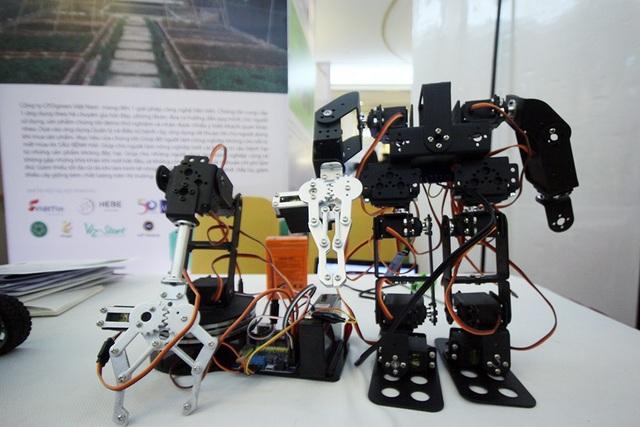 Sản phẩm này được chế tạo và phát triển tại Việt Nam nên có giá thành thấp hơn so với các công nghệ nước ngoài.