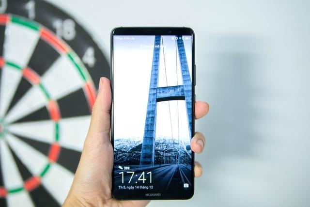 Đồng thời, Mate 10 Pro cũng là chiếc điện thoại thông minh nhanh nhất thế giới hỗ trợ kết nối LTE và tốc độ tải xuống siêu nhanh. Thiết bị đi kèm với hỗ trợ SIM kép 4G đầu tiên trên thế giới và các kết nối VoLTE kép.