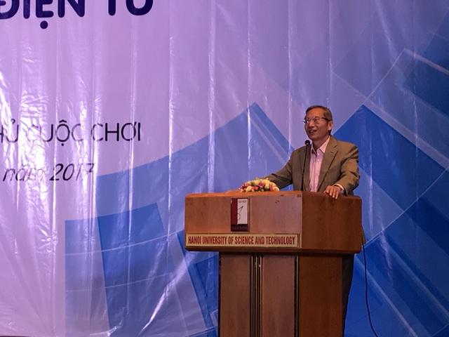 Ông Nguyễn Thanh Hưng, Chủ tịch Hiệp hội Thương Mại Điện Tử Việt Nam phát biểu tại buổi khai mạc Chương trình SV-Ecom 2017