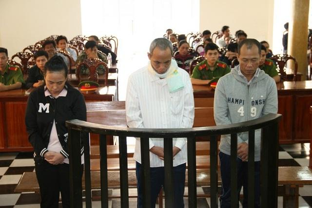 Các bị cáo Don, Binl và Sua tại tòa