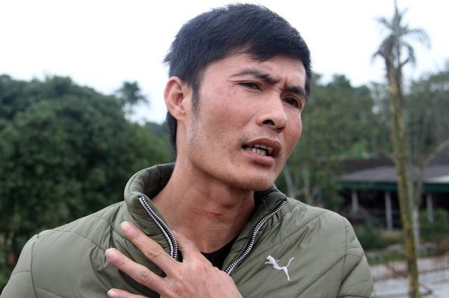 Anh Phùng Xuân Đức cho rằng nhóm thanh niên là dân xã hội được đơn vị thi công thuê để uy hiếp dân.
