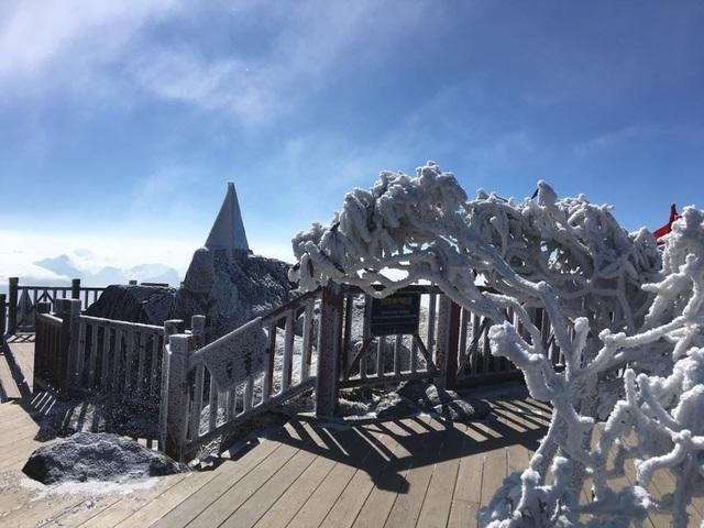 Hình ảnh băng tuyết tuyệt đẹp phủ trắng Fansipan - 6