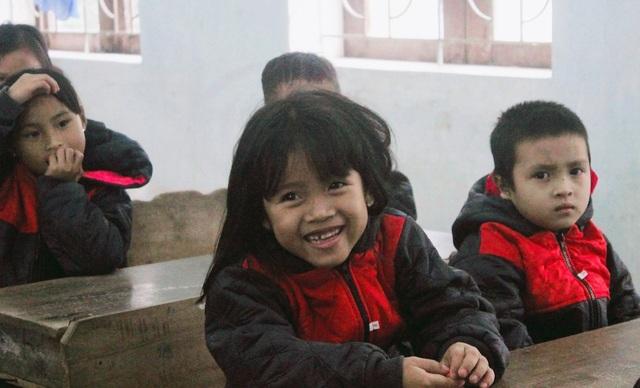Sinh viên Nghệ Tĩnh mang hơi ấm cho bà con dân tộc Chứt - 7