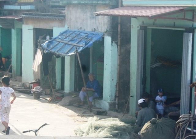 Các hộ nghèo, cận nghèo, hộ chính sách tại 50 xã, phường trong Đề án được hỗ trợ xây mới, sửa chữa nhà vệ sinh