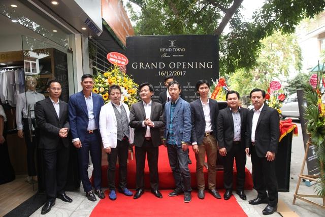 Diễn viên Bình Minh lịch lãm đến khai trương cửa hàng thời trang - 5