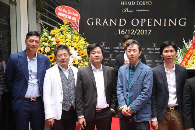 Diễn viên Bình Minh lịch lãm đến khai trương cửa hàng thời trang - 4