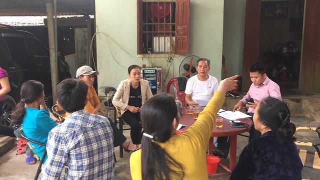 Các hộ dân phản ánh tình trạng gây ô nhiễm tại nhà máy xi măng Sông Lam.