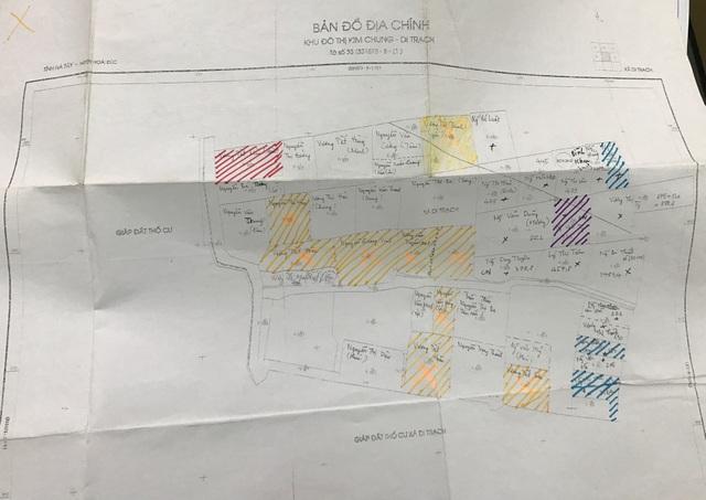 Trích lục bản đồ địa chính khu đất dịch vụ Kim Chung - Di Trạch. Tờ số 33, tỷ lệ 1/500 do Trung tâm kỹ thuật TNMT (Hà Tây) đo vẽ tháng 11/2005) do Sở Tài nguyên và môi trường (Hà Tây) duyệt ngày 10/10/2006. UBND huyện Hoài Đức và UBND xã Di Trạch dùng để làm một trong những căn cứ thu hồi đất của các hộ dân.