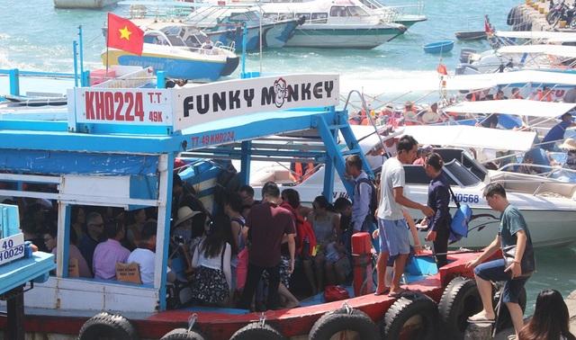 Trong 8 tháng năm nay, khách quốc tế đến Nha Trang - Khánh Hòa đạt hơn 1,3 triệu lượt
