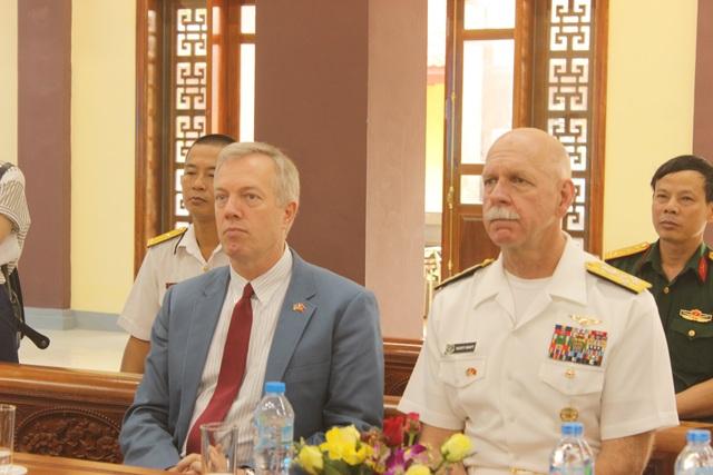Tư lệnh Hạm đội Thái Bình Dương cũng ca ngợi những chiến lược tài tình của các vị tướng lĩnh Việt Nam trong các cuộc chiến đánh bại quân xâm lược.