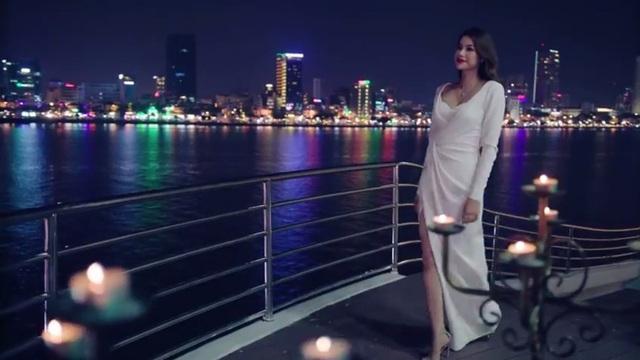 Bên bờ sông Hàn thơ mộng