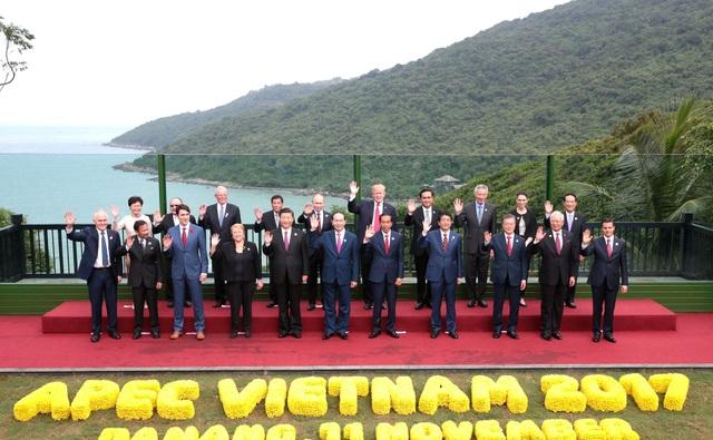 Tuần lễ Cấp cao APEC 2017 diễn ra tại thành phố Đà Nẵng được đánh giá là rất thành công (Ảnh: Lãnh đạo 21 nền kinh tế thành viên APEC ghi hình lưu niệm tại Đà Nẵng)