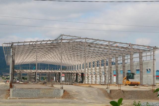 Nhà xưởng sản xuất trong CCN Gia Vân được xây dựng sắp hoàn thiện và đưa vào sử dụng.