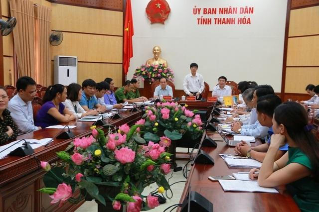 Ông Nguyễn Đình Xứng - Chủ tịch UBND tỉnh Thanh Hóa chủ trì buổi đối thoại giải quyết vụ 1 thửa đất cấp 4 sổ đỏ.