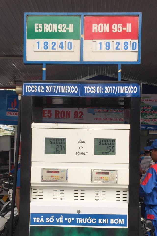PV Oil đã bán xăng E5 RON 92 thấp hơn giá xăng RON trước đây 1000 đồng/lít