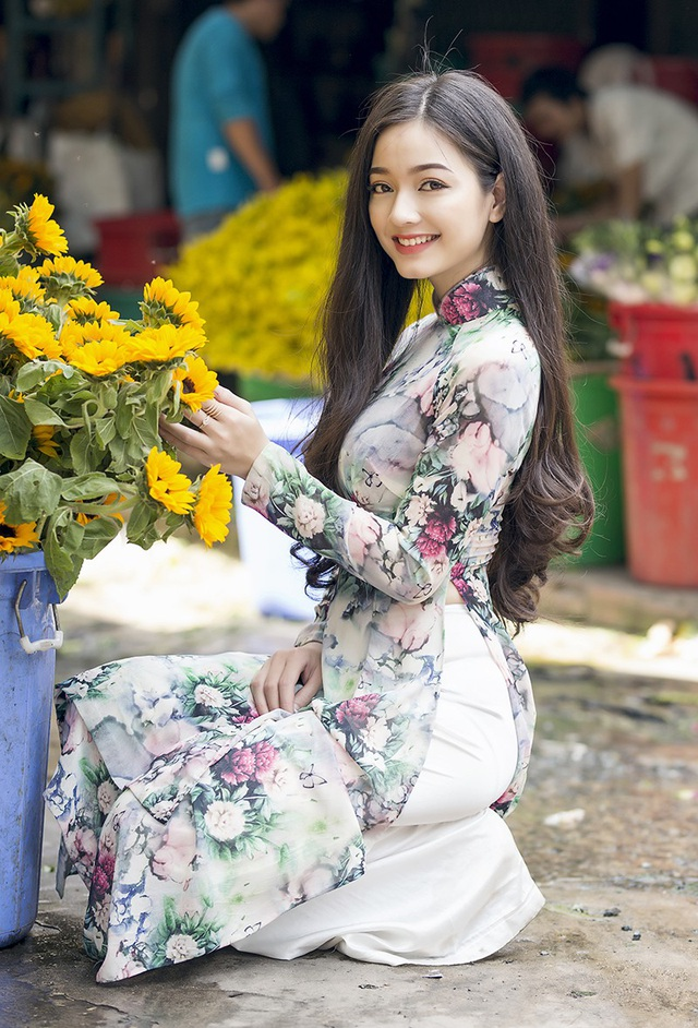 Lê Vũ Quỳnh Trâm Sinh năm 1995. Cô hiện là một kế toán viên, sống tại TP.HCM.