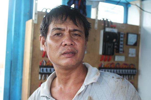 Ngư dân Trần Ngọc Đông (47 tuổi), người sở hữu đội tàu cá nhiều nhất ở TP Nha Trang (Khánh Hòa), có tới 9 chiếc đánh bắt ở Trường Sa, Nhà giàn DK1