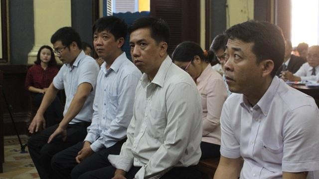 Phúc thẩm vụ VN Pharma: Bị cáo Nguyễn Minh Hùng bật khóc tại tòa - 1