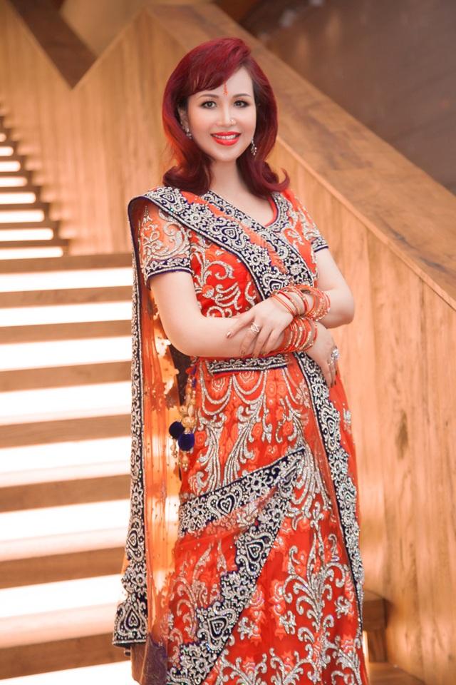 Hoa hậu biết 5 thứ tiếng gây chú ý khi xuất hiện cùng chồng người Ấn Độ - 7
