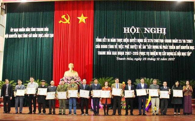 Nhiều cá nhân có đóng góp trong xây dựng và phát triển QKH cũng được nhận Bằng khen của Chủ tịch UBND tỉnh Thanh Hóa