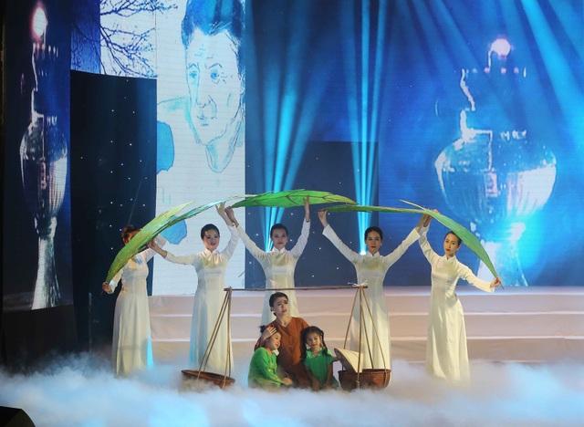 Hình ảnh người mẹ trên sân khấu Tổ ấm yêu thương.