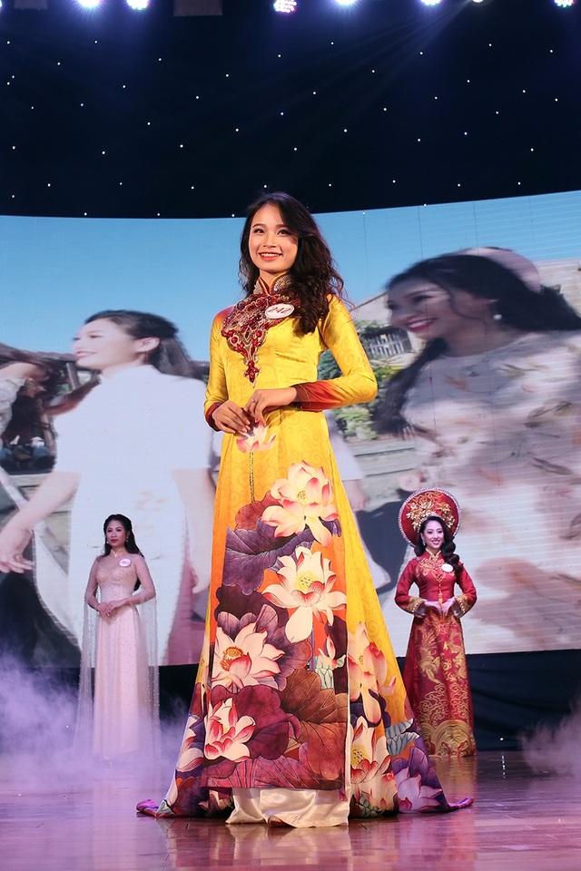 Á khôi 2 Đoàn Thị Hải Yến cũng là một nữ sinh của Học viện Thanh thiếu niên Việt Nam