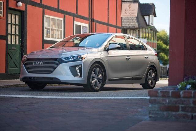 Hyundai Ioniq - Đối thủ tiềm năng của Toyota Prius - 3
