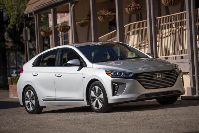 Hyundai Ioniq - Đối thủ tiềm năng của Toyota Prius - 15