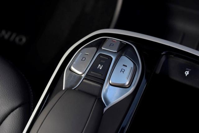 Hyundai Ioniq - Đối thủ tiềm năng của Toyota Prius - 9