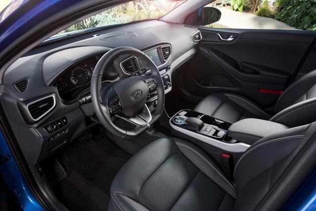 Hyundai Ioniq - Đối thủ tiềm năng của Toyota Prius - 10