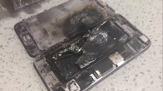 Chiếc iPhone 6 Plus bị hư hại hoàn toàn sau vụ nổ