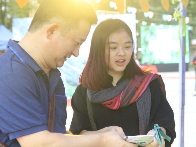 Bạn Diệu Linh cảm thấy rất thú vị khi được tìm hiểu về văn hóa Ireland ngay ở Việt Nam