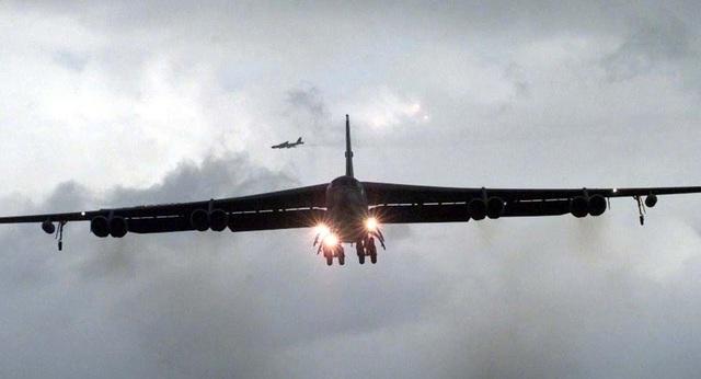 Mỹ điều máy bay B-52 Stratofortress chống IS (Ảnh: AFP)