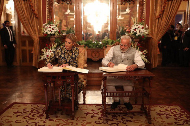 Thủ tướng Ấn Độ Narendra Modi tiếp đón cô Ivanka Trump. (Ảnh: NDTV)