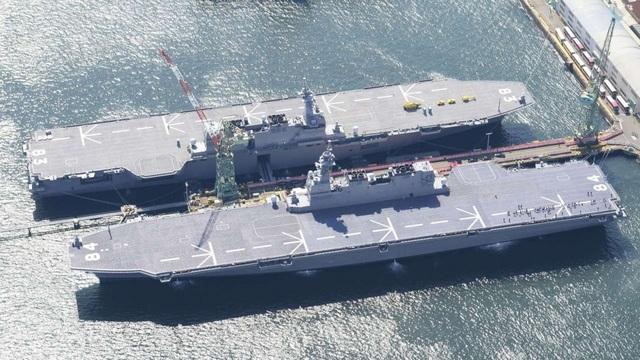 Tàu sân bay trực thăng Izumo và Kaga (Ảnh: Reuters)