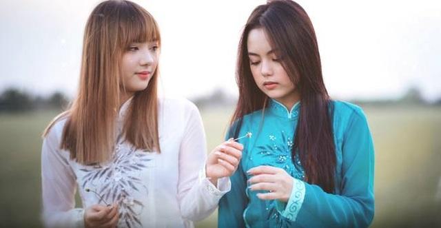 """Hot girl Thái Lan nhận được """"bão like"""" khi mặc áo dài Việt - 4"""