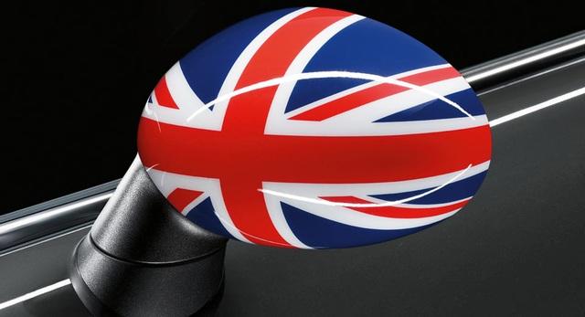 Anh và Nhật đã có hướng ra cho ngành ô tô sau Brexit - 1