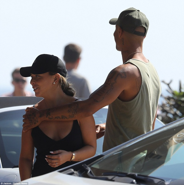 Nhiều người phỏng đoán phải chăng Jeremy Meeks đã cầu hôn con gái của ông chủ hãng Topshop Chloe Green