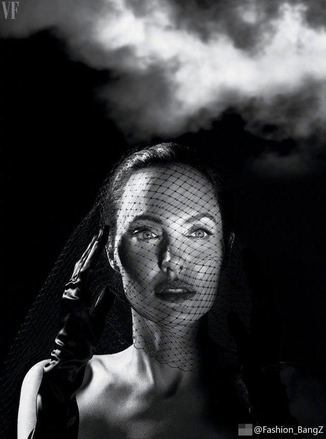 Angelina Jolie trải lòng về căn bệnh lạ và cuộc hôn nhân với Brad Pitt - 9