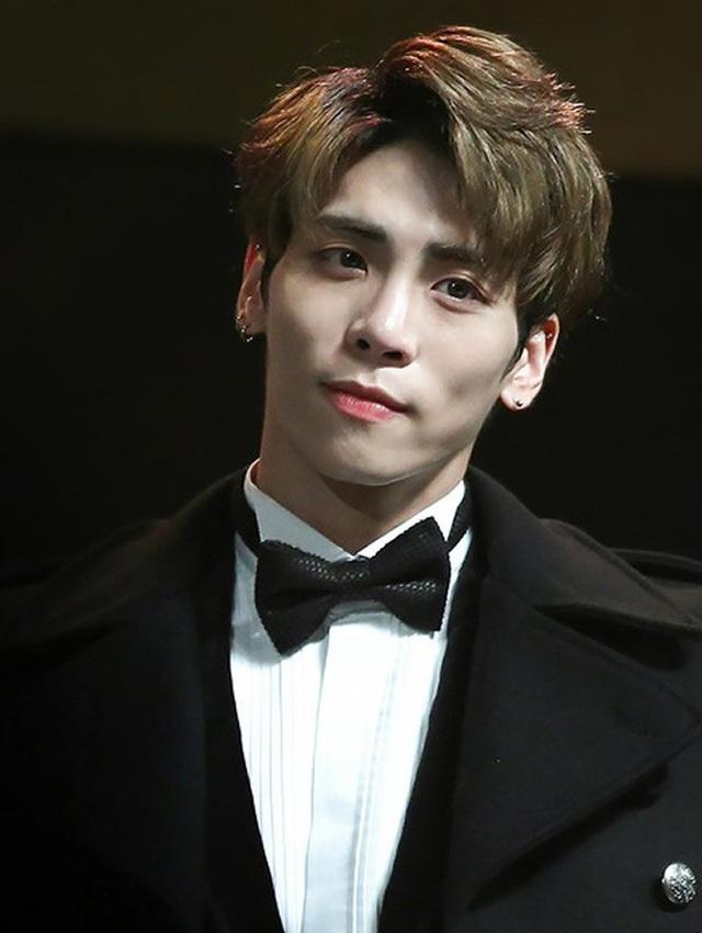 Jong Hyun tự vẫn tại nhà riêng vào ngày 18/12/2017.