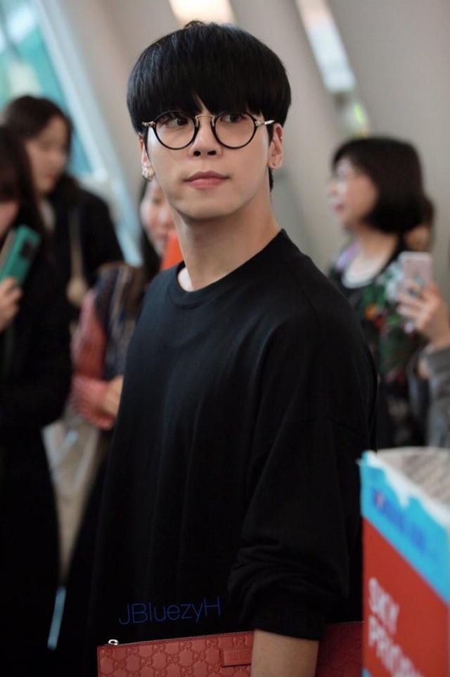 Jong Hyun mới 27 tuổi và đang ở đỉnh cao sự nghiệp.