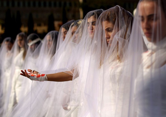Lạ đời đạo luật cho phép kẻ hiếp dâm cưới nạn nhân để thoát tội ở Jordan - 1